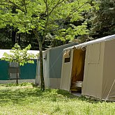 Accomodation in equiped tents